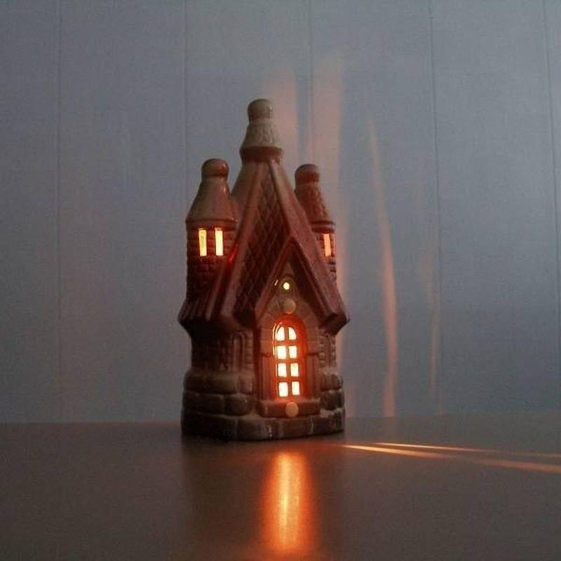 Ионизатор воздуха модель Теремок Принцесса со светильником